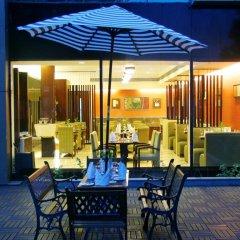 Отель The Muse Sarovar Portico - Nehru Place Индия, Нью-Дели - отзывы, цены и фото номеров - забронировать отель The Muse Sarovar Portico - Nehru Place онлайн питание фото 3