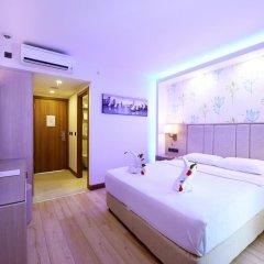 Отель Liberty Hotels Oludeniz 4* Улучшенный номер с двуспальной кроватью фото 2