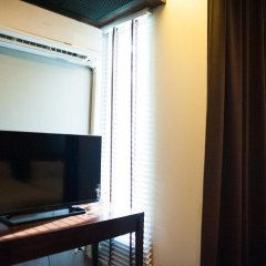 Отель Baan Silom Soi 3 2* Улучшенный номер с разными типами кроватей фото 2
