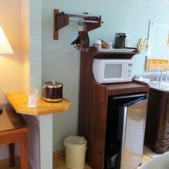 Отель Coast Inn and Spa Fort Bragg 2* Люкс с различными типами кроватей