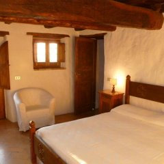 Отель Della Genga La Pieve Suite Сполето комната для гостей фото 3