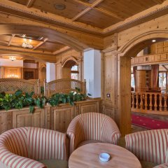 Mercure Sighisoara Binderbubi - Hotel & Spa интерьер отеля