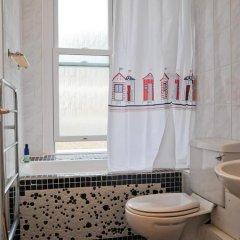 Отель East Beach Apartment Великобритания, Уэртинг - отзывы, цены и фото номеров - забронировать отель East Beach Apartment онлайн ванная фото 2