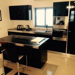 Апартаменты Luxurious Apartment in Sliema Слима в номере