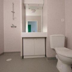 Отель Apparteo Lyon 7 Gerland Франция, Лион - отзывы, цены и фото номеров - забронировать отель Apparteo Lyon 7 Gerland онлайн ванная