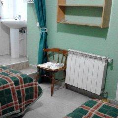 Отель Callao 2* Стандартный номер с 2 отдельными кроватями (общая ванная комната) фото 4