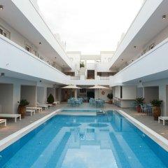 Отель More Meni Residence Греция, Калимнос - отзывы, цены и фото номеров - забронировать отель More Meni Residence онлайн бассейн фото 3