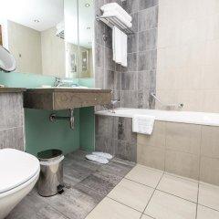 Отель Hilton London Canary Wharf ванная фото 2