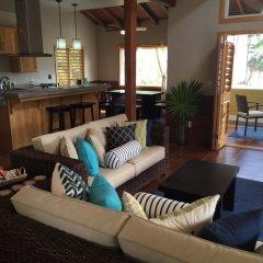Отель Coral Beach Village Resort Гондурас, Остров Утила - отзывы, цены и фото номеров - забронировать отель Coral Beach Village Resort онлайн комната для гостей
