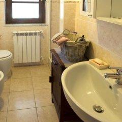 Отель La Casa Sul Fiume Сарцана ванная