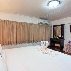Отель Karon Sunshine Guesthouse & Bar 3* Улучшенный номер с различными типами кроватей фото 19