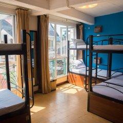 Отель Vietnam Backpacker Hostels Downtown Кровать в общем номере фото 3