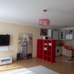 Апартаменты Apartment Red and White гостиничный бар
