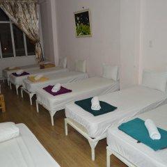 Saigon 237 Hotel 2* Кровать в общем номере с двухъярусной кроватью фото 3