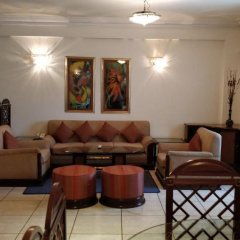 Отель The Suryaa New Delhi 5* Люкс повышенной комфортности с различными типами кроватей фото 9