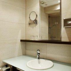 Отель NH Brussels Stéphanie 4* Стандартный номер с различными типами кроватей фото 6