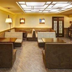 Three Crowns Hotel гостиничный бар фото 3