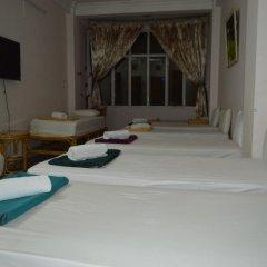 Saigon 237 Hotel 2* Кровать в общем номере с двухъярусной кроватью фото 2