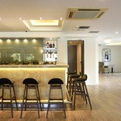Athens Avenue Hotel гостиничный бар