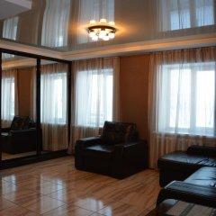 Апартаменты Studio Naberezhnaya Lenina 16A комната для гостей