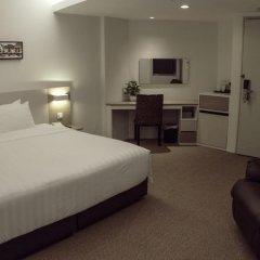 VIP Hotel 2* Улучшенный номер с двуспальной кроватью фото 9
