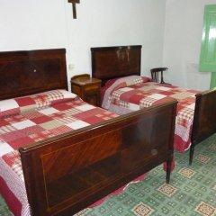 Отель Pensión Fonda Vilalta Испания, Рибес-де-Фресер - отзывы, цены и фото номеров - забронировать отель Pensión Fonda Vilalta онлайн комната для гостей фото 2