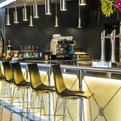 Отель Mas Tapiolas Suites Natura гостиничный бар