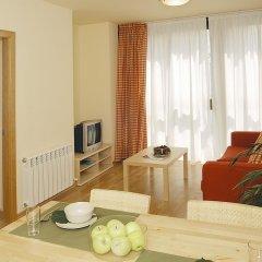 Отель Aparthotel Nou Vielha Апартаменты с различными типами кроватей фото 7