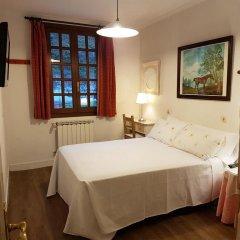 Отель Pensión Amaiur Стандартный номер с двуспальной кроватью (общая ванная комната)