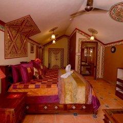 Отель Chokhi Dhani Resort Jaipur 4* Коттедж с различными типами кроватей фото 5