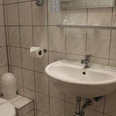 Отель Am Sendlinger Tor 3* Кровать в общем номере