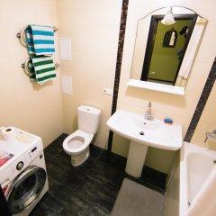 Гостиница Kubanskaya Naberezhnaya 64 в Краснодаре отзывы, цены и фото номеров - забронировать гостиницу Kubanskaya Naberezhnaya 64 онлайн Краснодар ванная фото 2
