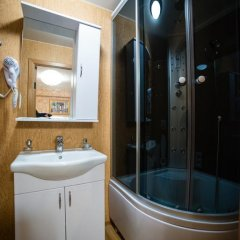 Гостиница Кватро в Новосибирске 2 отзыва об отеле, цены и фото номеров - забронировать гостиницу Кватро онлайн Новосибирск ванная