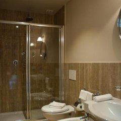 Отель Black 5 Florence 4* Стандартный номер с двуспальной кроватью фото 10