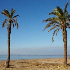 Отель Apartaments Terraza - Salatà Mar Испания, Курорт Росес - отзывы, цены и фото номеров - забронировать отель Apartaments Terraza - Salatà Mar онлайн пляж