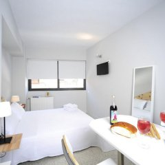 Апартаменты Live in Athens, short stay apartments комната для гостей фото 7