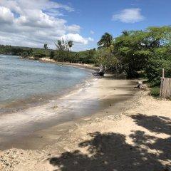 Отель Brytan Villa Ямайка, Треже-Бич - отзывы, цены и фото номеров - забронировать отель Brytan Villa онлайн пляж