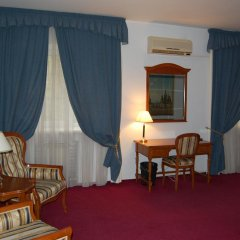 Academy Dnepropetrovsk Hotel 4* Улучшенный номер с различными типами кроватей фото 7