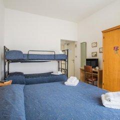 Hotel Nizza 2* Номер с общей ванной комнатой с различными типами кроватей (общая ванная комната) фото 2