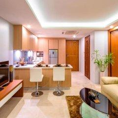 Отель At The Tree Condominium Phuket Номер Делюкс с двуспальной кроватью фото 18