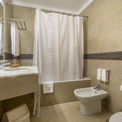 Отель Interpass Vau Hotel Apartamentos Португалия, Портимао - отзывы, цены и фото номеров - забронировать отель Interpass Vau Hotel Apartamentos онлайн ванная