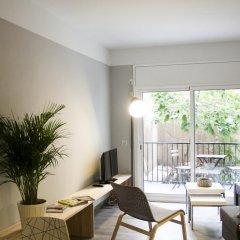 Отель Idyllic Apartment with Terrace Испания, Барселона - отзывы, цены и фото номеров - забронировать отель Idyllic Apartment with Terrace онлайн комната для гостей фото 4