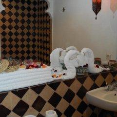Отель Riad Hugo Марокко, Марракеш - отзывы, цены и фото номеров - забронировать отель Riad Hugo онлайн ванная фото 2
