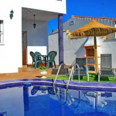 Отель Chalet Muelle Pesquero II Испания, Кониль-де-ла-Фронтера - отзывы, цены и фото номеров - забронировать отель Chalet Muelle Pesquero II онлайн бассейн