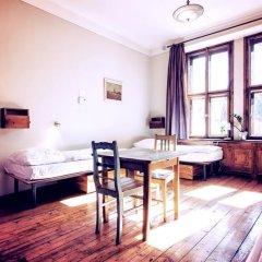 Sir Toby's Hostel Кровать в общем номере с двухъярусной кроватью фото 2