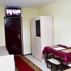 Гостиница Home Стандартный семейный номер с разными типами кроватей фото 5