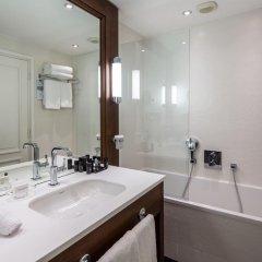 Hotel Barriere Le Majestic 5* Улучшенный номер с двуспальной кроватью фото 6