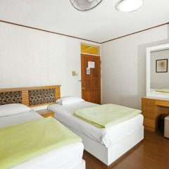 Отель The Aiyapura Bangkok 3* Улучшенный номер с различными типами кроватей фото 14
