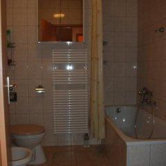Отель RÓmai ApartmanhÁz Хевиз ванная