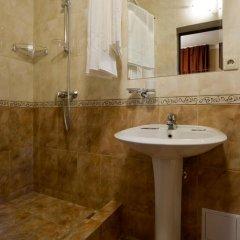 Гостиница Романов 2* Стандартный номер с 2 отдельными кроватями фото 8